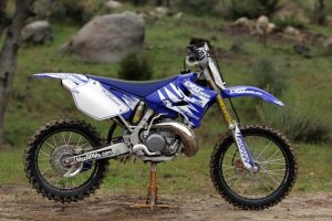 141_0604_internet_bike_04_dirt_rider_yz250_z.jpg